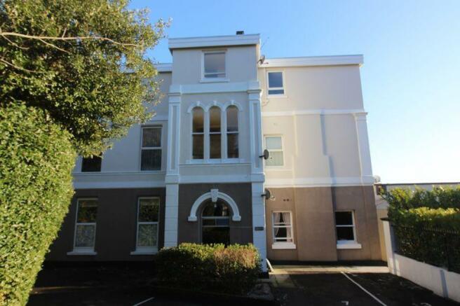 Manor Glade Court