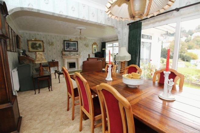 Lounge / Dinin...