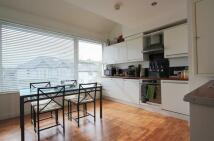 1 bed Apartment in Heol Y Deri, Rhiwbina