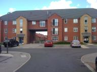 Flat to rent in The Chimes, Flaxley road
