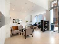 Apartment to rent in Courland Grove, Lambeth...