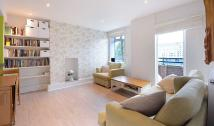 3 bedroom Flat to rent in Thomson House...