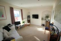 2 bedroom Flat to rent in Holly House...