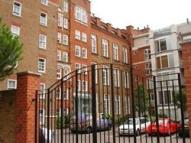 3 bed Flat to rent in Lawn Lane, London