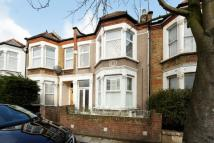 2 bedroom Flat in St Asaph Road, London