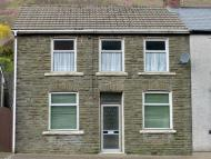3 bedroom semi detached house in Cemetery Road...
