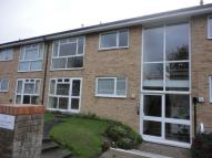2 bedroom Flat in De Roos Court, Eastbourne