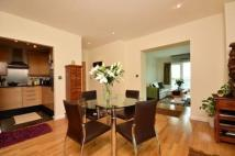 2 bed Flat to rent in Cavalier House...