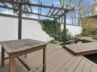 2 bed Mews to rent in Shaftesbury Mews,  London