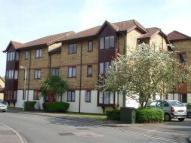 Flat to rent in Redwood Grove, Bedford