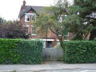 Flat to rent in Warwick Road...
