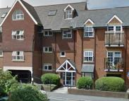 Flat to rent in Prospect Court...