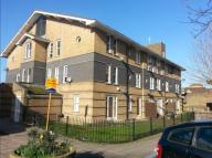 Leabank Square Flat to rent