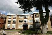 Flat to rent in Greville Lodge...