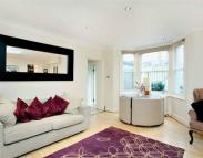 2 bedroom Flat to rent in Minford Gardens, London