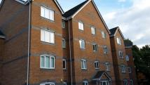 2 bed Flat in Knightswood Court...