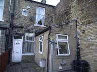 2 bed Terraced house in Oak Street, ELLAND...