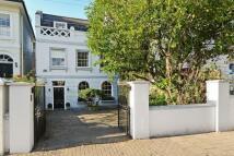 5 bedroom property in Furlong Road, London, N7