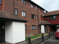 Studio apartment to rent in Linacre Close, Didcot...