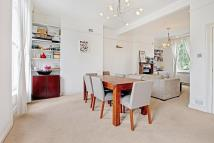 3 bed Flat to rent in Richmond Crescent...