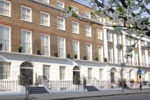 Flat to rent in Guilford Street, London...