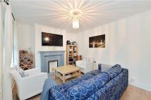 2 bedroom Flat to rent in Denton House...