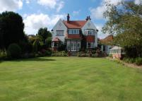 5 bedroom Detached home in South Avenue, Scalby...