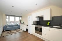 Flat to rent in Ashurst Road, London, N12