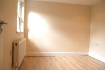 Flat to rent in St. Margarets Avenue...