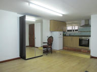 Studio flat to rent in Hoxton Street, London, N1