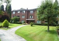 2 bedroom Flat in LADYBROOK ROAD, BRAMHALL...