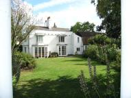 6 bed house to rent in Churchgate, Cheshunt