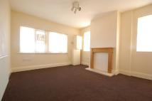 Flat to rent in Mayfield Avenue...