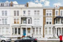 Flat in Sinclair Road, London W14
