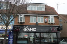 Flat to rent in Bath Road, Harmondsworth...