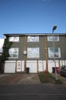 Town House to rent in Laburnum Grove, Langley...
