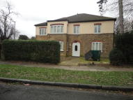 2 bedroom Ground Flat to rent in High Street, Cranford...