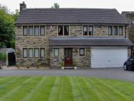 4 bed Detached property in Station Lane, Birkenshaw...