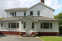 4 bedroom Detached home in Bradford Road...