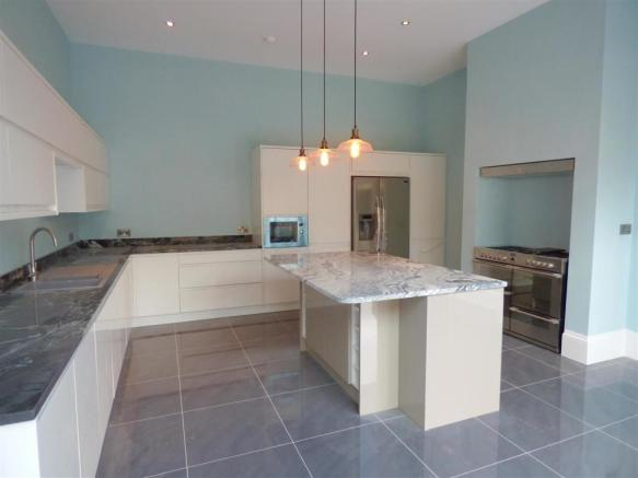 Open Plan Living/Dining Kitchen