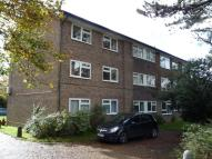 1 bedroom Ground Flat in Doods Road, Reigate, RH2
