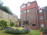 Flat in Baytree Court...