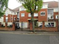 2 bed Flat to rent in Junction Road, Romford...