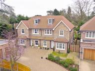 4 bed semi detached property to rent in Little Orchard Place...