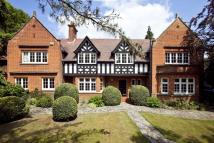 5 bedroom Detached property to rent in Clive Road, Esher, KT10