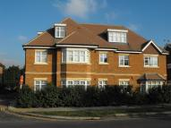 2 bed Flat to rent in Walton On Thames