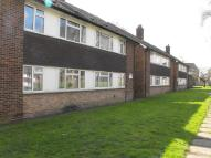 Ground Maisonette to rent in Walton On Thames
