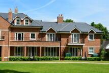 Apartment to rent in Gower Road, Weybridge