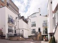 3 bed Apartment in Peony Court, Park Walk,...