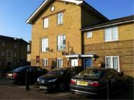 Apartment to rent in Stopes Street...